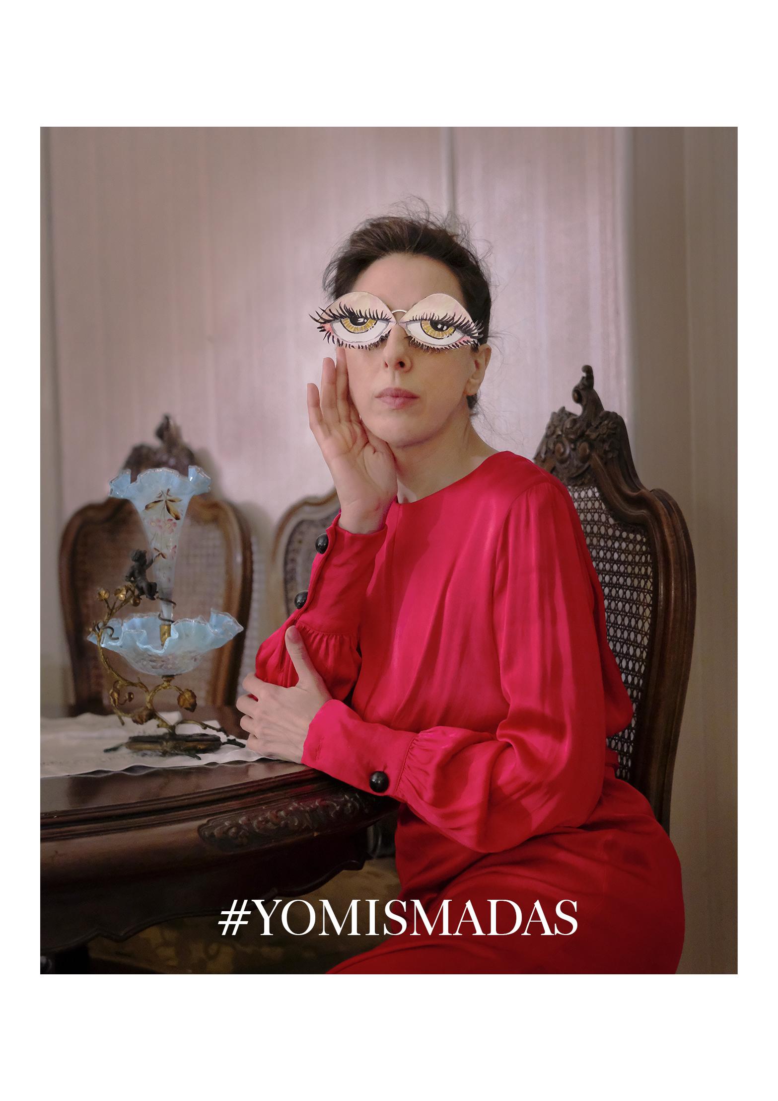 Crazy Lady in red- Yomismadas